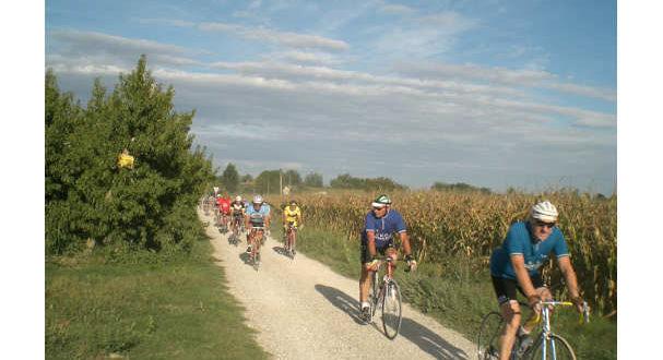 cicloturistica-per-bici-depoca-a-lugo-di-romagna-jpg