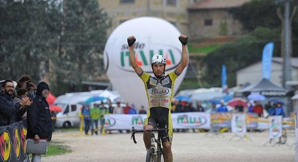 franzoi-vince-e-convince-a-petrignano-2-jpg