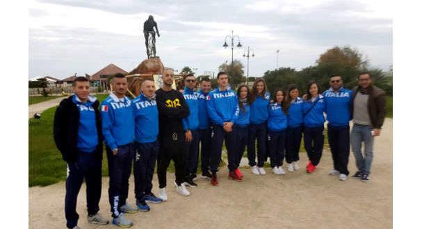 la-nazionale-italiana-di-karate-in-visita-al-monumento-di-pantani-2-jpg