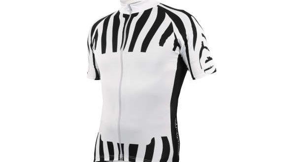 un-nuovo-stile-di-vestire-in-bicicletta-jpg