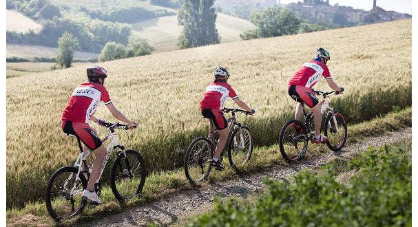 vacanze-in-bici-con-mamma-e-papa-jpg